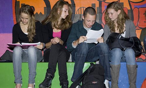 zittende-scholieren